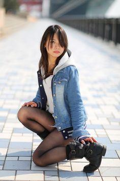 Young Girl Fashion, Black Girl Fashion, Asian Fashion, Pantyhose Outfits, Pantyhose Heels, Rachel Riley Legs, Fashion Tights, Cute Cosplay, Black Stockings