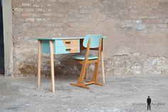 GENTLEMEN DESIGNERS // Bureau vintage et sa chaise casala en bois, pieds compas