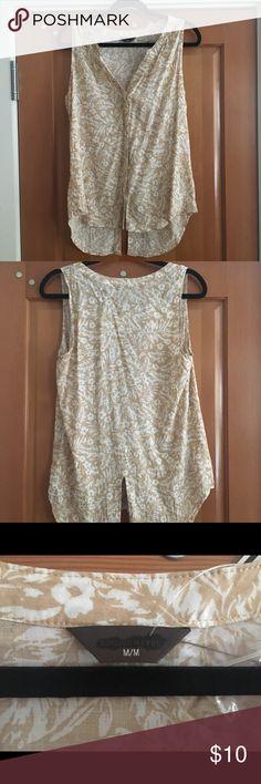 d701a0093680a Sleeveless Blouse Size Medium sleeveless blouse NWT. Hidden buttons. Denver  Hayes Tops Denver