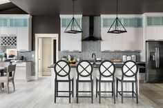 Done in a sophisticated black-and-white motif with a playful mix of shapes and patterns, the HGTV Smart Home 2020 kitchen combines high style with high-tech, plus tons of handy storage. Property Brothers, Fixer Upper, Hgtv Kitchens, Black Kitchens, Primark Home, Hgtv Dream Homes, Kitchen Pictures, Rustic White, Smart Home