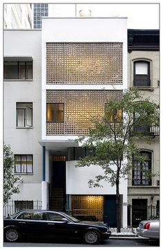 32 Ideas for house facade design brick Brick Facade, Facade House, Building Facade, Building Design, Facade Design, House Design, Wall Design, Glass Blocks Wall, Glass Brick