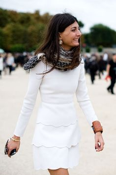 Love the skirt! Its so demure in style while being so short you could never get away with calling it demure :)