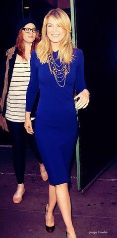 Ein blaues Kleid!