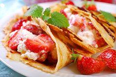 Crepes mit Erdbeeren und Schlagrahm - Rezept
