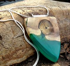 Hout met groene epoxy hanger Hars/hout ketting door anneliesjewels