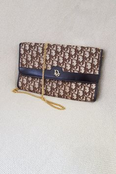 5ab79d63e5d9 VINTAGE CHRISTIAN DIOR Chain Handle Shoulder Bag
