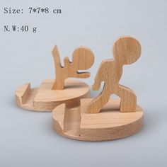 Creative Wood Stand for Mobile phone and Ipad The post Creative Wood Stand for Mobile phone and Ipad appeared first on Wood Decoration Palette. Small Wood Projects, Projects To Try, Wooden Crafts, Diy And Crafts, Diy Phone Stand, Wood Phone Stand, Bois Diy, Wood Toys, Woodworking Projects