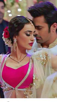 Indian Tv Actress, Beautiful Indian Actress, Indian Actresses, Tv Show Couples, Cute Couples Photos, Movie Couples, Beautiful Little Girls, Beautiful Couple, Wedding Poses