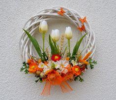 s tulipány a křepelčími vajíčky...velikonoční věne / Zboží prodejce Vendula Strejcová | Fler.cz Felt Flower Wreaths, Tulip Wreath, Xmas Wreaths, Easter Wreaths, Floral Wreath, Willow Wreath, Summer Wreath, Diy Wreath, Spring Crafts