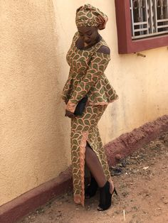 African Attire, African Wear, African Fashion Dresses, African Women, African Dress, African Print Dress Designs, African Design, Lace Skirt And Blouse, African Lace Styles