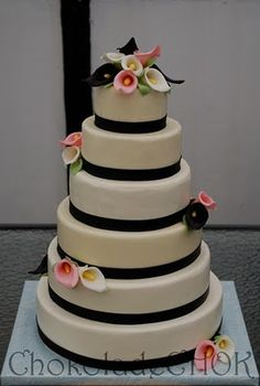 Wedding cake- just ribbon and calla lilies