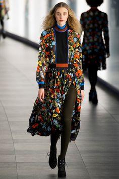 Preen by Thornton Bregazzi - Fall 2015 Ready-to-Wear - Look 11 of 36