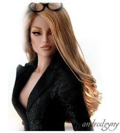 Fashion Royalty Doll - Angelina Jolie doll, seriously? Erk!