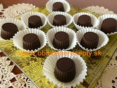 sm - pralinky / višne v čokoláde Mix pralinek Mini Cupcakes, Gluten Free, Meals, Chocolate, Sweet, Recipes, Food, Gummi Candy, Glutenfree