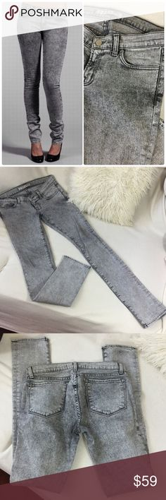 """J Brand black/grey acid wash skinny jeans J Brand X-RAY black/grey/white acid wash skinny jeans.  Great condition and a nice way to break up all your blue jeans.  Nice stretch to them. Inseam measures 34"""" long 14 3/4"""" across waist and a 7.5"""" front rise.💟 J Brand Jeans Skinny"""