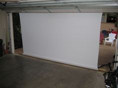 Instructable on turning your garage into an outdoor theater. Show horror movies on Halloween. Also could do this form or in the carport. Fete Halloween, Halloween Movies, Outdoor Halloween, Holidays Halloween, Halloween Garage, Halloween Ideas, Backyard Movie Nights, Outdoor Movie Nights, Outdoor Movie Party