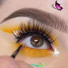 Flower Eye Makeup Flower Eye Makeup<br> Eyeliner Under Eye, Under Eye Makeup, White Eyeliner, Simple Eye Makeup, Natural Eye Makeup, No Eyeliner Makeup, Eyeliner Dots, Apply Eyeliner, Winged Eyeliner