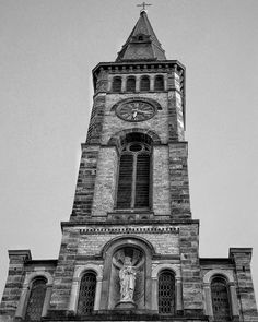 Bräunlingen is a town in the district of Schwarzwald-Baar in Baden-Württemberg Germany.  #blackforest #germany #bräunlingen #cathedral #march27 #deutschland #explorer #adventuretime #adventures #wanderlust #traveling #travelgram #travelingram #mytravelgram #instatraveling #traveler #igtravel #tourism #trip #travelphoto #iphone #instagood #germany #bestoftheday #iphone7plus #photooftheday #history #cross #church #blackandwhite #500px
