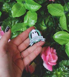 Wreath Enamel Pin – The Sad Ghost Club
