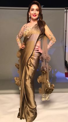 11 amazing saree styles looks to inspire you 8 Trendy Sarees, Stylish Sarees, Fancy Sarees, Saree Blouse Neck Designs, Saree Blouse Patterns, Dress Patterns, Saree Designs Party Wear, Sari Design, Satin Saree