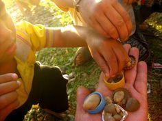 Jugando con niños...  en Laos (canelaycanelon.blogspot.com)