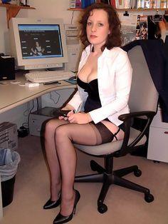 Malgré la chaleur accablante, elle fait son job sans aucun problème apparent…