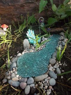 Río con estanque miniatura jardín hadas jardín Gnome hada jardín hadas río o río burbujeante