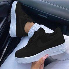 Cute Nike Shoes, Cute Sneakers, Sneakers Nike, Jordan Shoes Girls, Girls Shoes, Shoes Women, Trendy Shoes, Casual Shoes, Casual Jeans