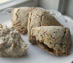 Whole Grain Sweet Potato and Green Pea Samosa | http://www.gluten-free-vegan-girl.com/2013/03/healthy-gluten-free-vegan-sweet-potato-samosa.html