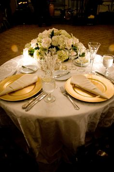 Sweetheart Table For Two | DIY Budget Weddings