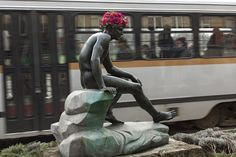 Florist Decorates Statues With Flower Beards And Crowns To Remind About Forgotten Monuments | Bored Panda