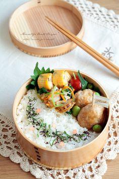 あ~るママ『鶏つくね枝豆餡弁当~ママのお弁当~』