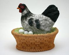 Hen on nest music box, chicken musicbox, Old MacDonald Had a Farm, vintage 1980s black and white hen on basket, made in Taiwan ROC, eggs from SmilingCatVintage