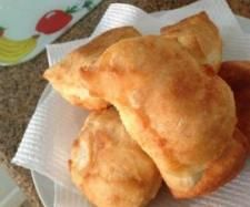 Recipe Vetkoek (fat cakes) by Shazzad, learn to make this recipe easily in your kitchen machine and discover other Thermomix recipes in Breads & rolls. Food Vans, South African Recipes, Atkins Diet, Recipe Community, Bread Rolls, Vegan Vegetarian, Favorite Recipes, Yummy Food, Treats