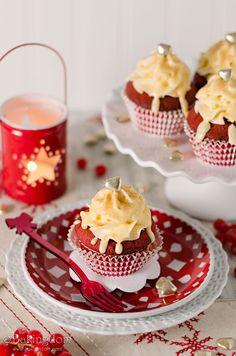Eggnog Red Velvet Cupcakes from Bakingdom #cupcakes #cupcakeideas #cupcakerecipes #food #yummy #sweet #delicious #cupcake