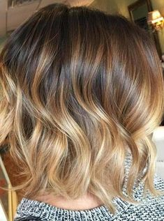 See here latest short haircuts with balayage hair color shades to try in 2020. You may use to wear this amazing hair color with long hair styles also especially to make them look extra charming than before. Short Hair Lengths, Short Hair Cuts, Short Hair Styles, Hair Color Shades, Cool Hair Color, Hair Colors, High Fashion Photography, Photography Women, Wedding Hairstyles