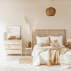 Quartos rústicos para inspirar o seu! Boho Bedroom Decor, Trendy Bedroom, Entryway Decor, Office Decor, Bedroom Ideas, Modern Rustic Bedrooms, Home Interior, Interior Design, Bedroom Accessories