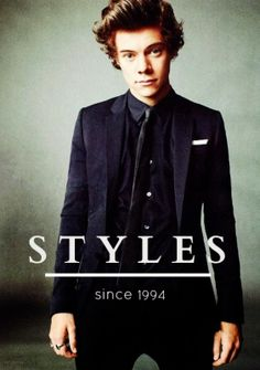 HARRY! STOP BEING SO ATTRACTIVE!! YOU'RE KILLING ME!!!!