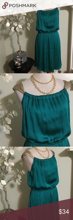 """THE LIMITED DRESS Classy and sexy dress , shell and lining are 100% polyester, length 38"""" , worn once, perfect condition The Limited Dresses Midi"""