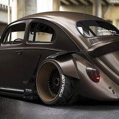 — Badest Bug ever ? Alles was ich will … – Der schlimmste Bug aller Zeiten? Vw Super Beetle, Beetle Car, Carros Vw, Combi Wv, Mercedes Benz C300, Vw Classic, Bug, Vw Cars, Modified Cars