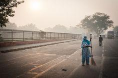 Street sweeper in Delhi, India #streetphotography #streetphotographer #India #travel #travelphotographer #travelphotos
