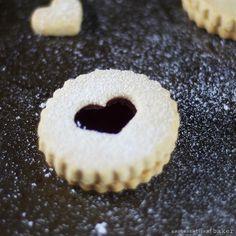 Raspberry holiday linzer cookies -- gluten-free, vegan, refined sugar-free