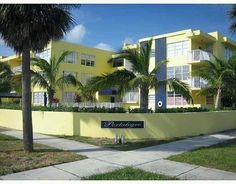 NEW LISTING : Great Investment opportunity in Miami Beach | Suggested by AKOYAone