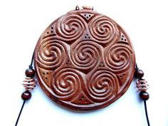 Celtic Medallion Vortice a Sette di MassoGeppetto su Etsy, €50.00 #wood #chipcarving
