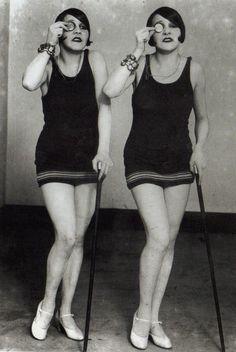 bi-mono-cool!  foxesinbreeches:    billyjane:    flappers [Dolly Sisters]  via Saffronella