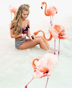 Flamingos in Aruba. Beach Vibes. Beach hair. Wavy hair. Beach babe. JessaKae