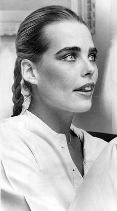 Margaux Hemingway Margaux Hemingway, Mariel Hemingway, Tall Women, Photos Of Women, Famous Women, Vintage Beauty, Female Art, Style Icons, Celebrities