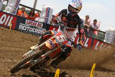 Ryan Dungey (Red Bull/KTM) looked to have this one on lock, reeling in Mike Alessi in both motos, and going 1-1 on the day. He now has a 42-point lead in the championship standings.