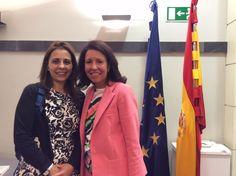 Con Sonia Aparicio, una periodista de raza. Es un placer tener a gente como ella en le Programa Superior de Comunicación del IE Business School.
