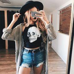 ¡Es momento de sacar tu lado más rocker chic! Si eres amante de la moda y la buena música, estos tips del estilo edgy son para ti. Chamarras de piel,